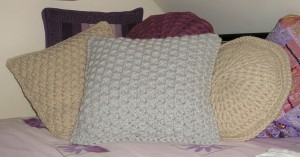 3 cushions 3